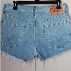 LEVI'S Distressed High Rise 505 Shorts
